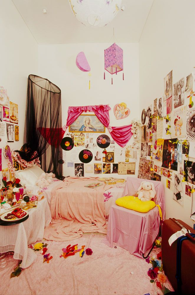 Girls Room: Best 25+ Messy Bedroom Ideas On Pinterest