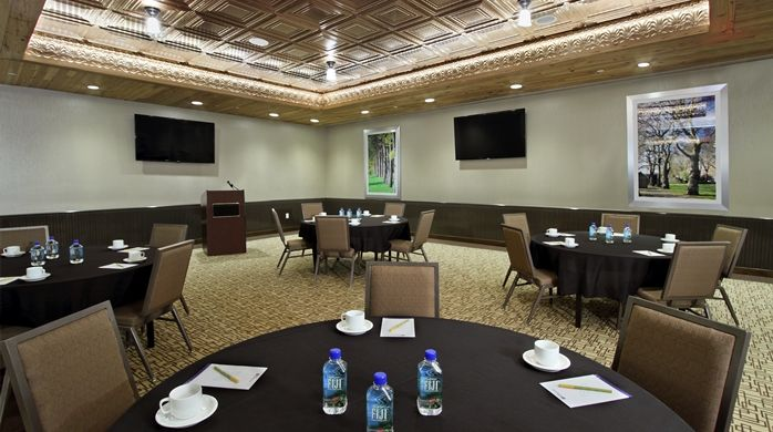 Host Your Meeting Or Special Event At The Hilton Garden Inn Hotel In Midtown Manhattan With Our Contemporary Boardroom And Flexible Space