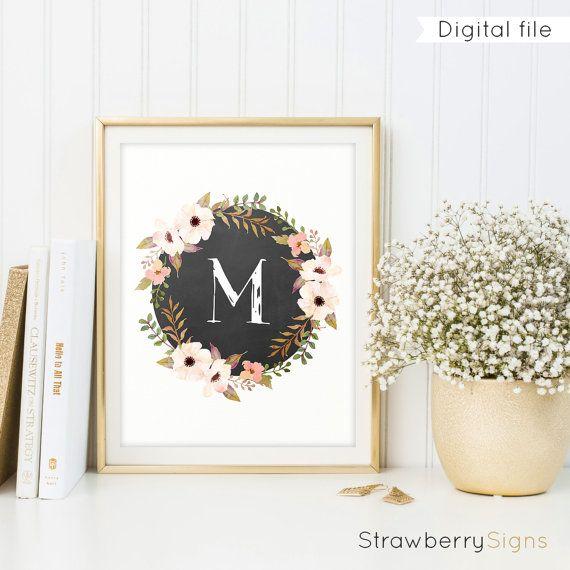 Brief Monogram ben  | Digitale download  Elke kamer opvrolijken met deze mooie bloemen monogram met de letter M in een bloemen-, schoolbord- en aquarel bloemen-stijl. Het beschikt over een prachtige witte letter op een echte zwarte schoolbord textuur met een aquarel bloemen krans omheen waardoor deze digitale monogram print een natuurlijke en rustieke uitstraling. Het is een groot teken voor uw eigen huis, als een kwekerij afdrukken, als een geschenk housewarming, of gewoon geven aan iemand…