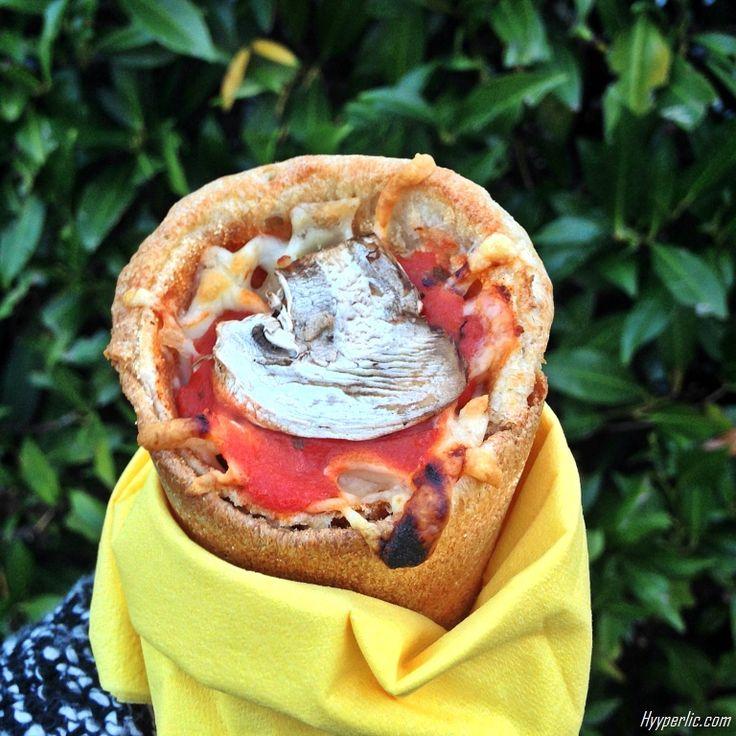 Kennt Ihr bereits die 'Pizza in der Waffel', das Pizza Cono? Dann probiert sie beim neuen Cono Pizza Lieferservice Friedrichshafen und ...