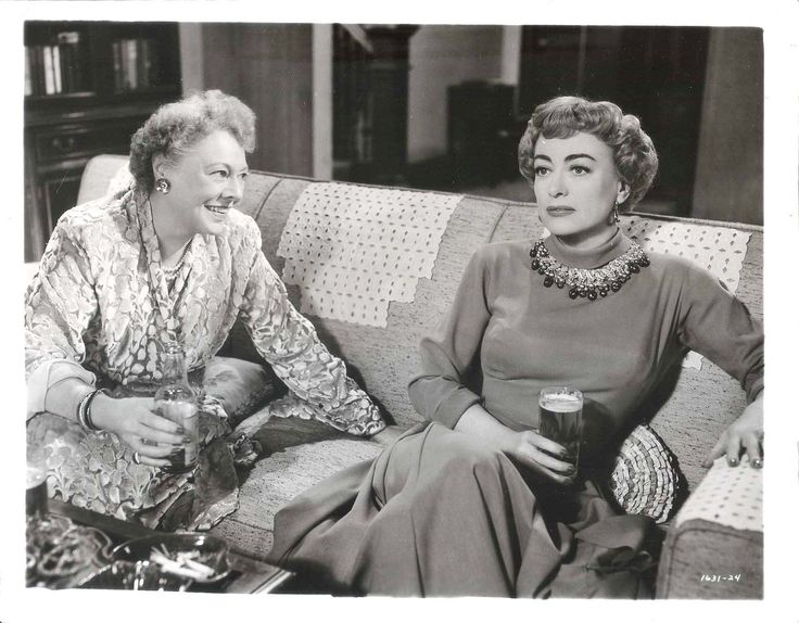 """Torch Song - Joan Crawford - Marjorie Rambeau. MARJORIE RAMBEAU. JOAN CRAWFORD. """" TORCH SONG"""" - 19 53. This photograph is not a reproduction or a current copy. Condition of the Photograph: VERYGOOD. 