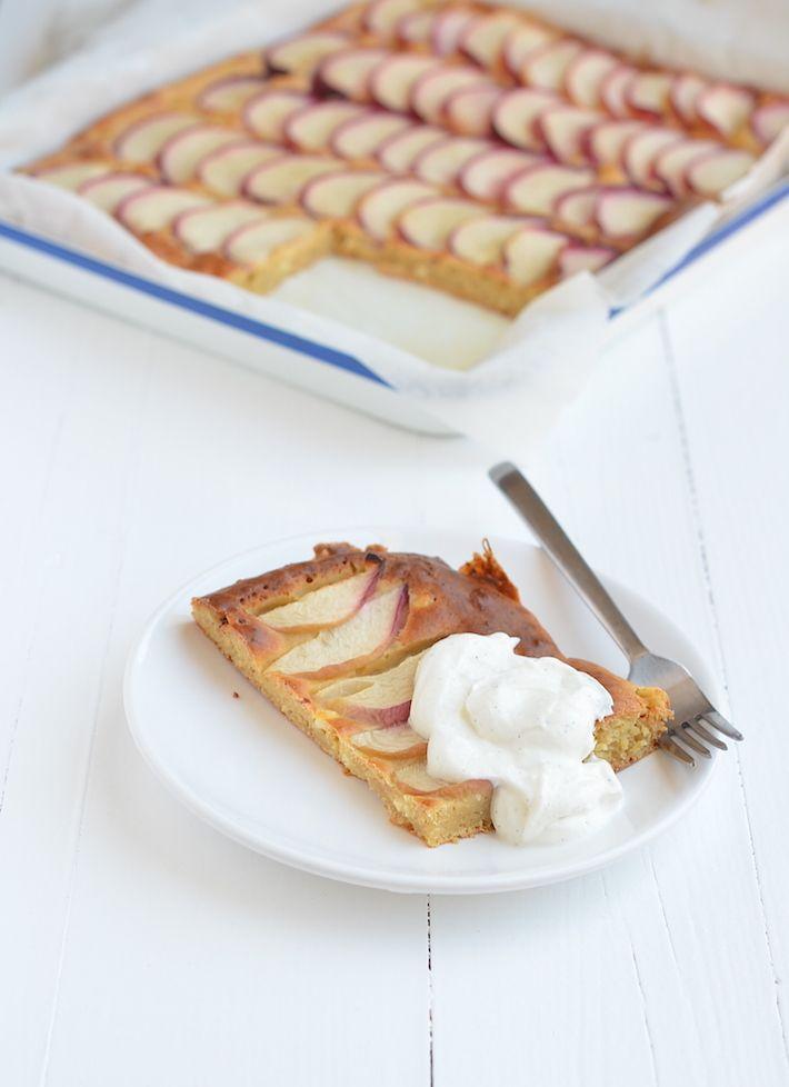// Plaatcake met perzik (zelf glutenvrije versie van zelfrijzend bakmeel maken: 500 gram bloem + 30 gram bakpoeder)