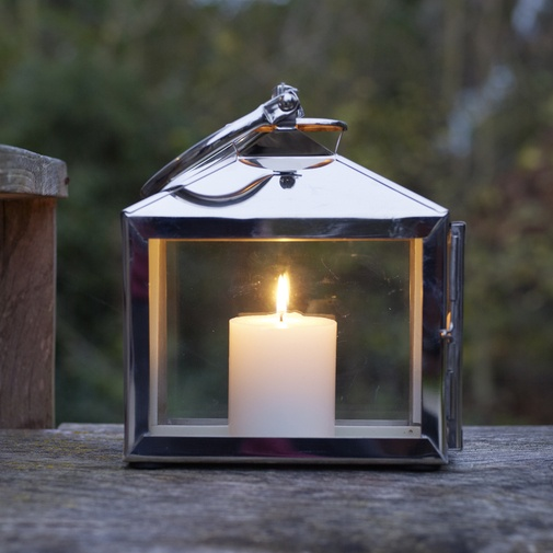 Just gorgeous, nice and solid looking lantern