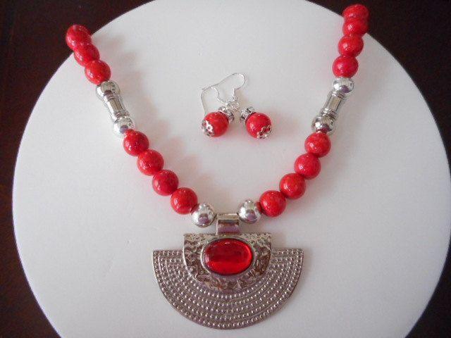 Collar en jade rojo, Collar con precolombino, collar con aretes, Collares, Collar para jovenes, Collar para mujer, Bisuteria, Collar rojo de PekitasCreations en Etsy