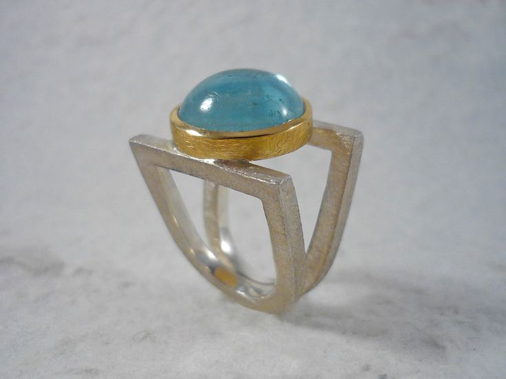 Aquamarine ring. Silver and gold ring with aquamarine cabochon. Round cabochon aquamarine. Blue stone. Unique piece. Handmade. de RosaTejadaJoies en Etsy
