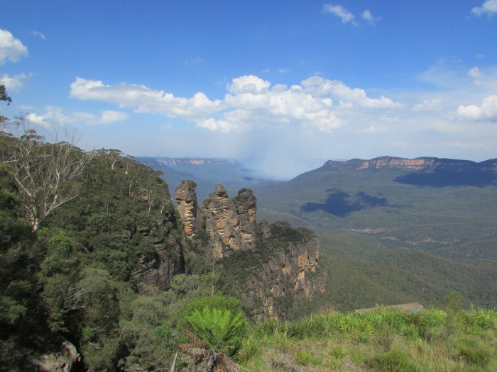 A picture is worth a thousand words: A day in the Blue Moutains | The world is my oyster- The 3 sisters