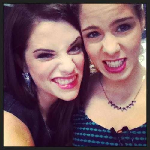 Emily Bett Rickards & Jessica De Gouw | Arrow | Pinterest ...