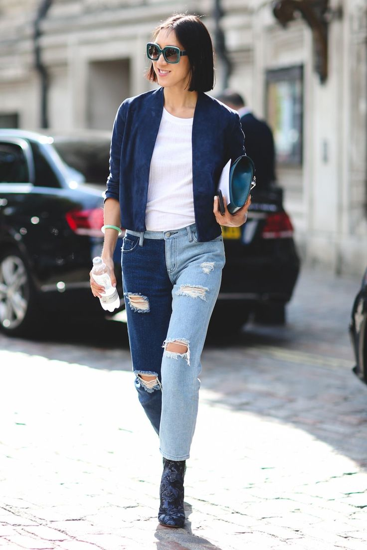 London Street Style Photos That Prove Fall Is NOT Boring #refinery29  http://www.refinery29.com/2015/09/94443/london-fashion-week-spring-2016-street-style-pictures#slide-38  Why pick one denim wash when you can have two?...