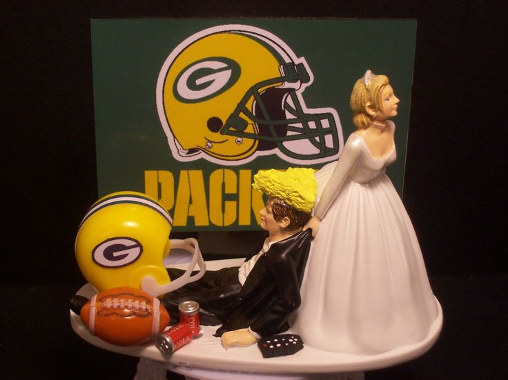 Packers Wedding cake topper! LOL!