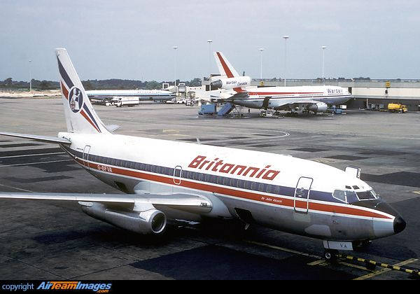 britannia airways 737