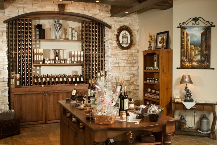 Les Boissons du Roy, à Ste-Anne-de-la-Pérade, en Mauricie ! Photo: Stéphane Daoust / http://blogue.tourismemauricie.com/agrotourisme/le-perado-un-delicieux-porto-aux-bleuets-fait-par-les-boissons-du-roy-a-sainte-anne-de-la-perade-en-mauricie-la-boisson-a-avoir-sur-votre-table-durant-le-temps-des-fetes.html
