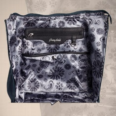 In every Grace Adele bag is an Intelligent Interior™ that's stylish and smart, with specially designed pockets to hold everything you need to take on the day — including your Grace Adele wallet, notebook, makeup bag, clutch — with plenty of room to spare. Keep your must-haves on hand and easy to find in a pinch.
