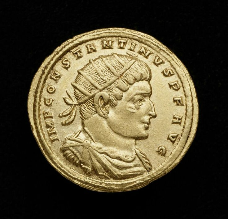 Gold medallion (1 1/2 solidi) with bust of Constantine I ...