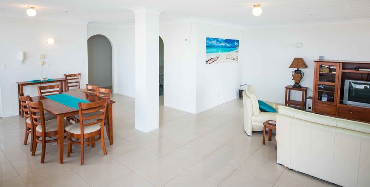 Broadwater Shores - Penthouse Apartment - Runaway Bay Accommodation