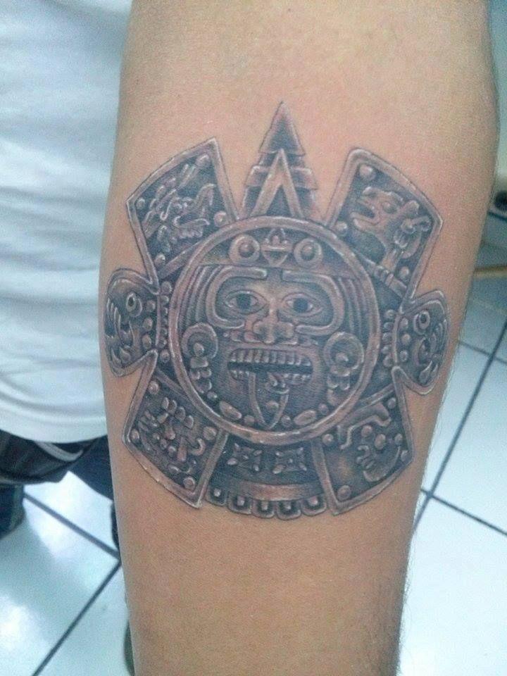 Hecho por #Robyn en #TatuajesMéxico  #PiedraDelSol #TatuajesMexico #TatuajesMéxico #Tatuajes_Mexico #LosMejoresConLosMejores  #Prehispanic #Prehispanico