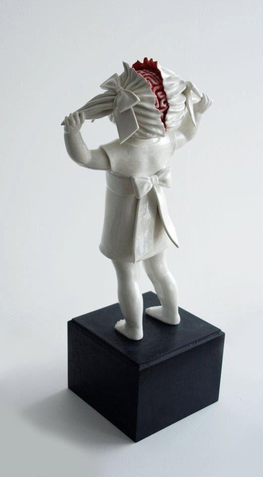 Geek Art Gallery: Sculpture: Macabre Porcelain Figures