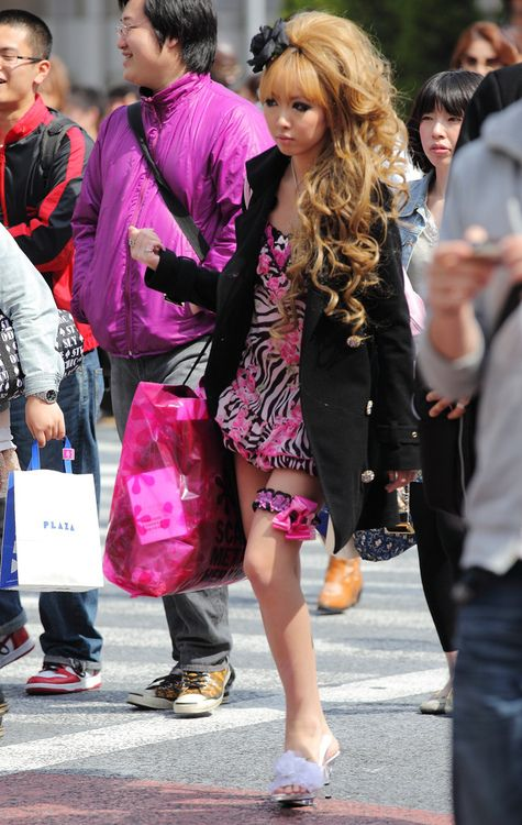 Agejo Gyaru on the streets of Tokyo