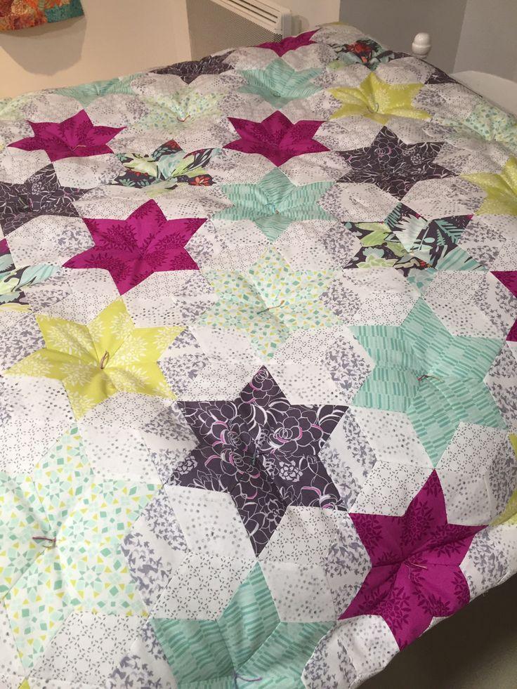 les 78 meilleures images propos de quilting patchwork sur pinterest courtepointe chemins de. Black Bedroom Furniture Sets. Home Design Ideas