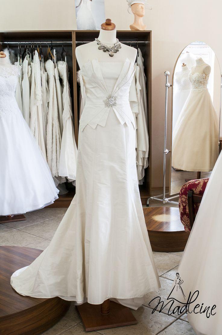 suknia ślubna dostępna od ręki w salonie Madleine