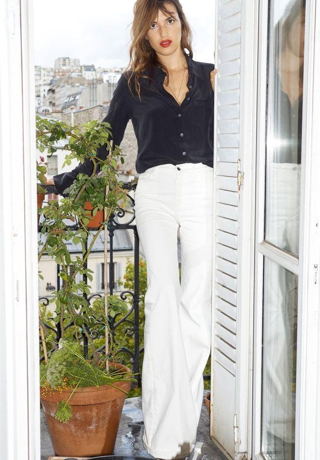 Le jean pattes d'eph' blanc, un basique à porter été comme hiver ! (photo Jeanne Damas)
