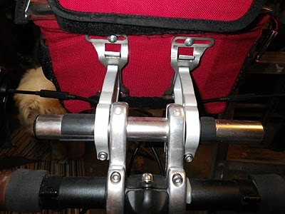 GreenComotion: Mounting Arkel Handlebar Bag on a Bike without Bar-end Shifters!