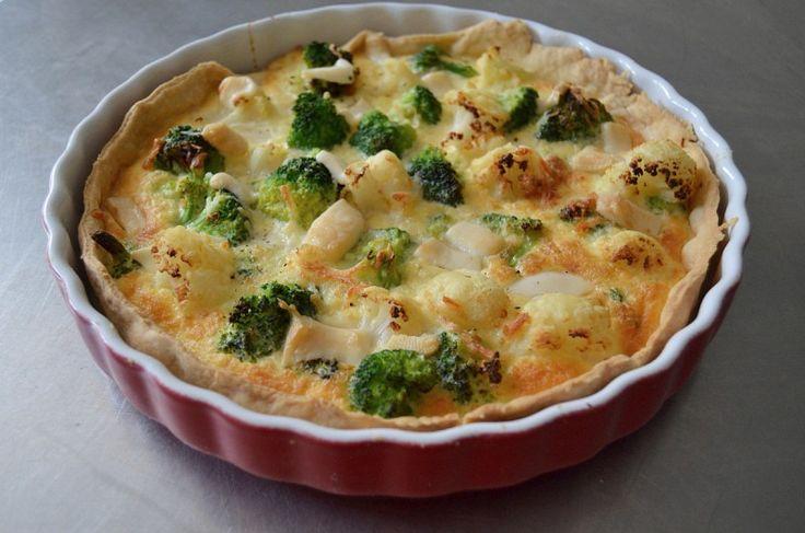 Quiche cu broccoli, conopida si cascaval