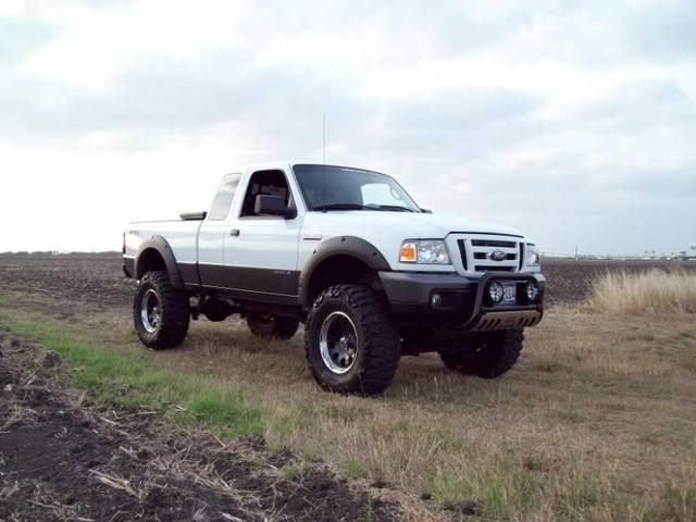 lifted 4x4 huge lifted white lvl 2 ford ranger forum
