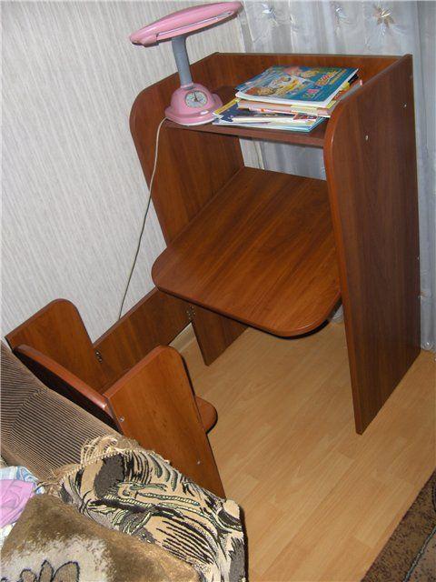 Ситуация потребовала изготовления рабочего места для 5 летнего ребенка. Моя дошкольница взялась за науку, но мебель наша не позволяла комфортно заниматься е...