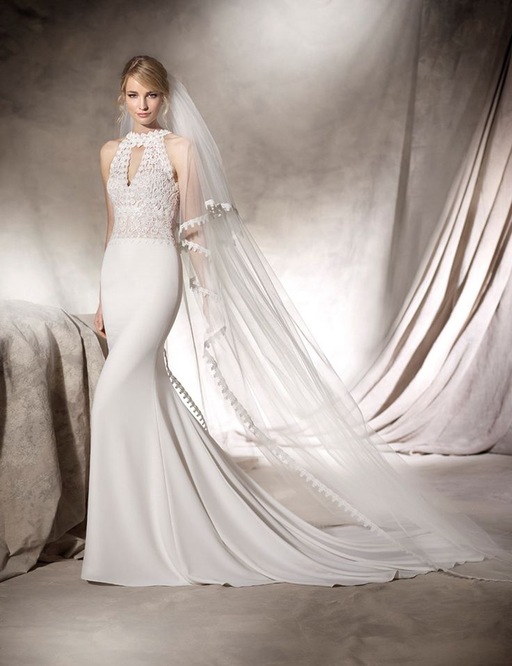 HILARY - Elegant, bohemian mermaid style dress. Tulle skirt and guipure bodice. A halter neck makes this a really classy design.