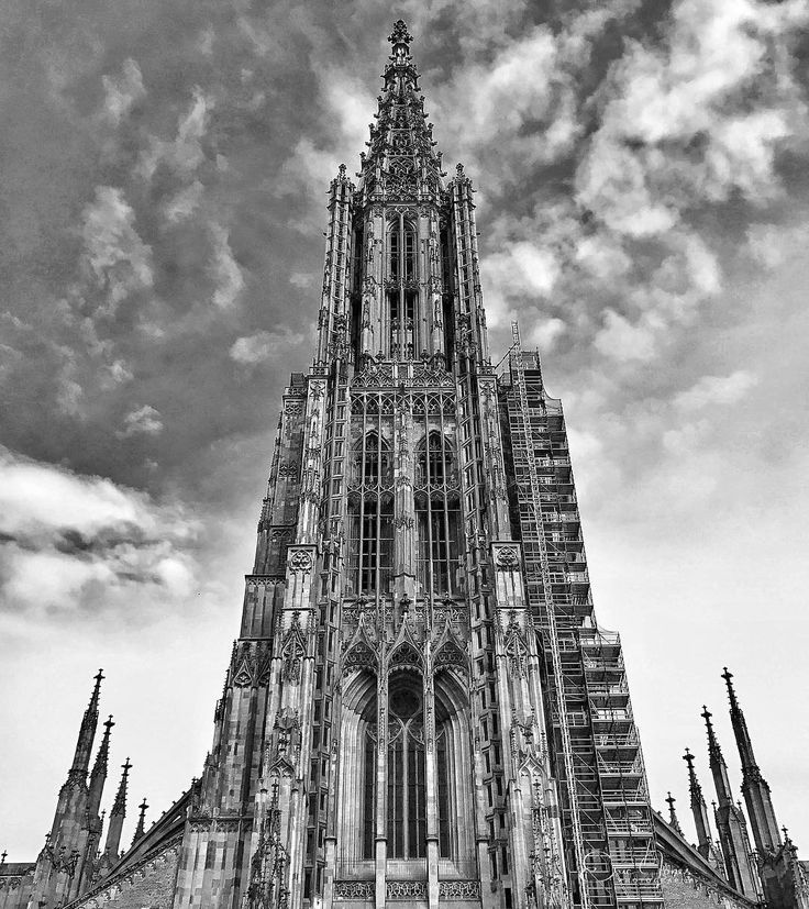 In 1377 the foundation stone for the Ulm Minster was laid.  #landscape #outdoors #ulm #500px #august26 #deutschland #explorer #shotoniphone #adventures #wanderlust #traveling #travelgram #travelingram #mytravelgram #instatraveling #traveler #igtravel #tourism #trip #travelphoto #iphone #instagood #germany #bestoftheday #iphone7plus #photooftheday #history #blackandwhitechallenge #minster #blackandwhite #instagood