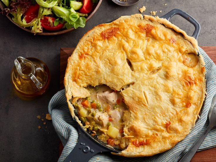 Fall has arrived, which means it's pie season! Serve up a batch of skillet chicken pot pie (all made in a single pot!) for a minimal mess meal!