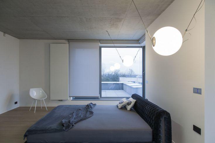 VascoART | Kolekcje produktów Niva pionowa w sypialni. Projekt: PRACOWNIA MOMO