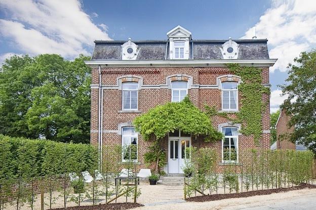 Jaja, dit is nog in België. Een van onze vakantiehuizen #trots #lovebluesky