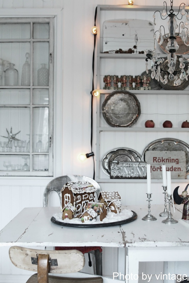 51 exquisite totally white vintage christmas ideas digsdigs - Gingerbread House In A Vintage Rustic White Kitchen
