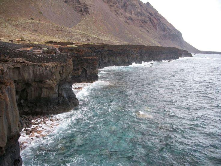 Acantilados en balneario Sabinosa - Costa del Pozo de la Salud - El Hierro