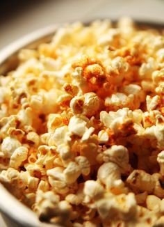50 Flavored Popcorn Recipes, making a crushed red pepper buffalo popcorn recipe tonight, but these look awesome! Maybe Lilah will even like some!