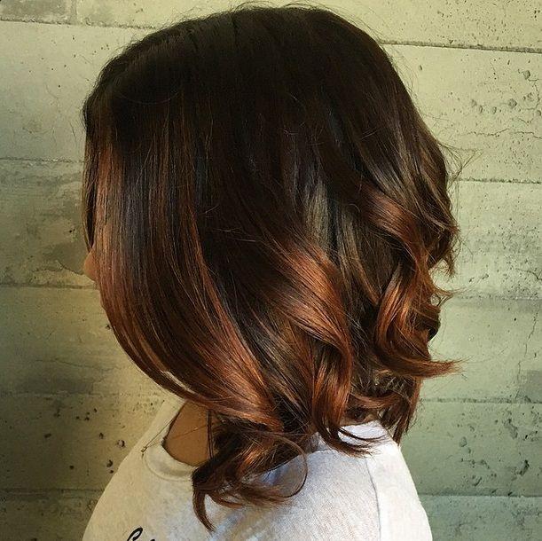 Haarfabeideen.com zeigt Ihnen zuletzt und trend-Haarfarbe Stil und Haar Ideen wie Diese 10 mittellange Frisuren werden Dich staunen lassen! Welche würdest Du wählen?