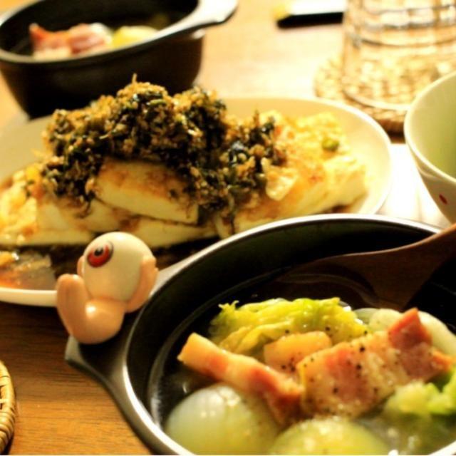 豆腐ステーキに野沢菜ちりめんふりかけの余ったものでたれを作ってかけました。 甘めのたれがご飯をすすめます‼ あとは、コロコロ玉ねぎとレタスでコンソメスープ - 17件のもぐもぐ - ちりめんのふりかけをリメイク? by haru2004