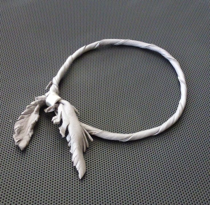 Leathernecklace(soft lambskin,silver bead)Made by UNNI HOFF