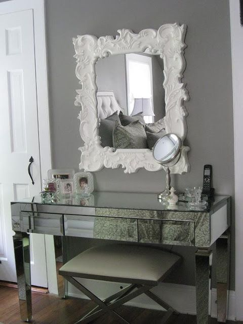 Lovely console table for an entrance wall and i 39 m crushing on that shade of grey home decor i Grey home decor pinterest