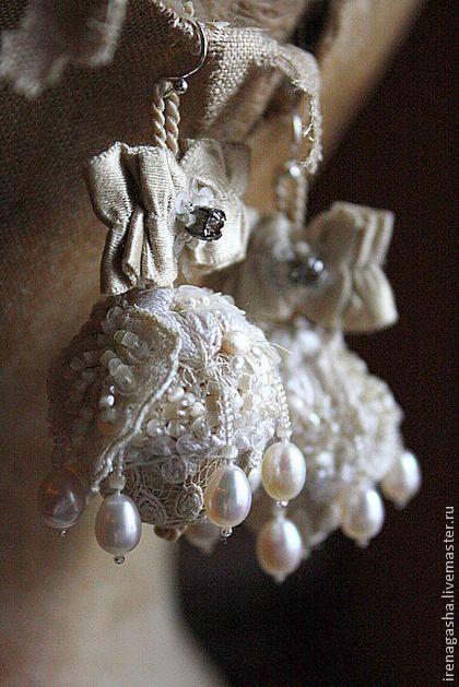 """Серьги для взрослой принцессы! :) Практически антикварные.....шелковые """"шишки"""", сатиновый стеклярус, кружева, бантики и шелковые нити, все от туда...... Также тут речной жемчуг, пайетки, бисер и кристаллы Сваровски!"""