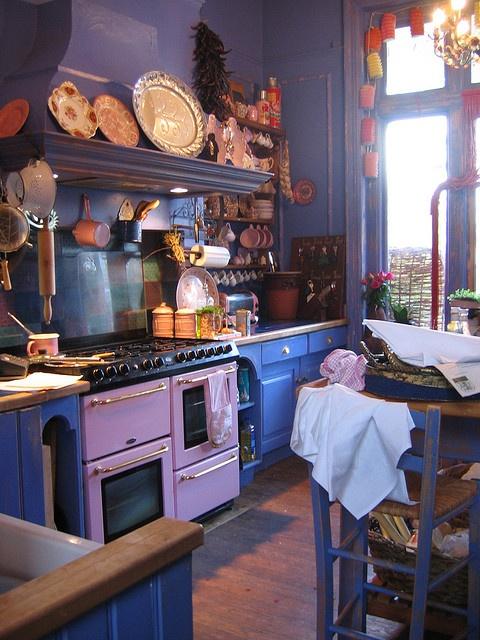 Red roofs / purple Kitchen