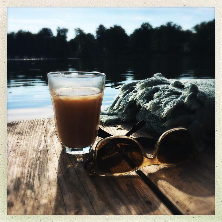 #Natur #Sommer #Fünfseenland #Weßling #Weßlingersee #Bayern #Heimat #Wasser #Naturpur #Lebenslust #Sonne #Genuss #Daslebengenießen #Lupinus #LUPINUSSALON #Reisen #Travel #Landschaft #Entspannen #Steg #Kaffegenuss #Kaffepause #Kaffe