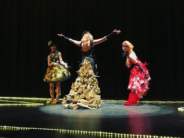 Id just like to say how happy I am with how my collection of origami inspired dresses turned out last night at the Lehigh Valley Charter High School for the Arts; Flying Solo Fashion Show.  The three dresses are made up of a total of 148 paper cranes; each hand folded and stitched by an individual artist and designer.  Each designer and model at the event did such a great job at bringing their own sparkle to the show and I am so proud of all of you . Models: @alaina_karcher (Far Left)…