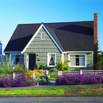 great houseYellow Flowers, Picket Fence, White Fence, Front Yards, Curb Appeal, Gardens, Green House, Yards Makeovers, Purple Flower