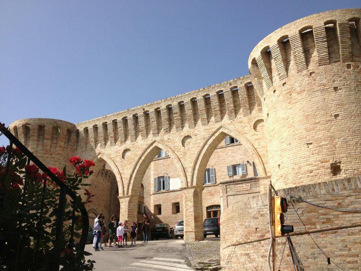 Petritoli, Le Marche, the beautiful three arches.