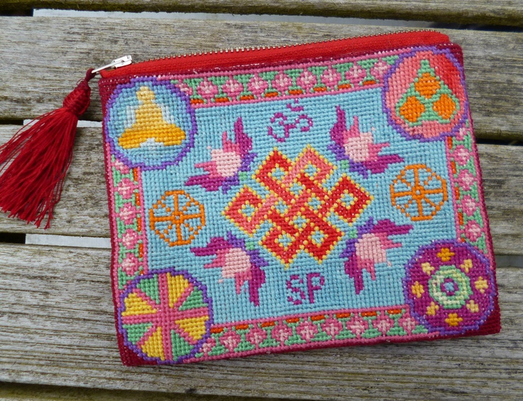 A Budhist-inspired purse for a budhist friend of mine