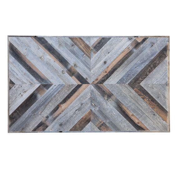 Nos encanta la madera recuperada debido a los colores únicos y textura que ha adquirido de ser expuesto a la intemperie. Es hermosa y nos sentimos debería ser fácilmente visto y admirado. Qué mejor manera de hacerlo y a apreciarlo por lo que después es colgada en la pared. Nuestros paneles de pared decorativos están fabricados de madera recuperada y vienen en una variedad de tamaños y modelos. El diseño en la foto es el Panel de pared #1 y sus dimensiones son 36 W x 60 L x 1,5 D. Panel de…