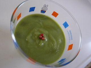 ほうれん草とじゃがいもの冷たいスープ