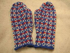 Ravelry: Fox and Geese Mittens pattern by Robin Hansen